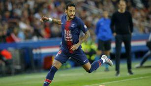 Neymar corre tras su regreso a las canchas con el PSG