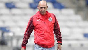 Luis Díaz previo a un partido de Chivas femenil