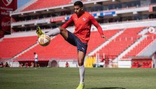 Cecilio Domínguez en un entrenamiento del Independiente