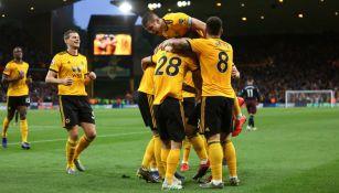 Wolverhampton celebra una anotación frente al Arsenal