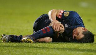 Hirving Lozano se lamenta tras lesión en el duelo vs Willem II