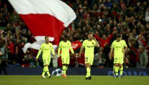 Jugadores del Barcelona salen cabizbajos tras derrota vs Liverpool