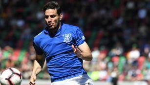 Antonio Briseño en un partido con el Feirense