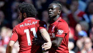 Salah y Mane durante el partido ante los Wolves