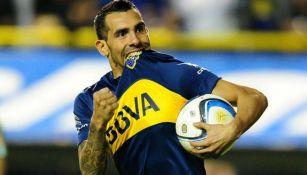 Carlos Tévez celebra una anotación con el Boca Juniors