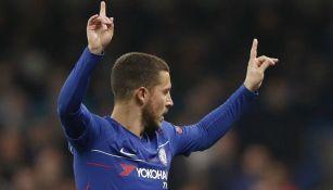 Hazard celebra gol con el Chelsea