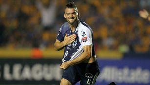Nicolás Sánchez celebra una anotación frente a Tigres
