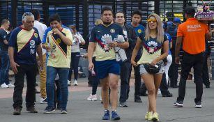 Aficionados de América ingresan al Estadio Azteca