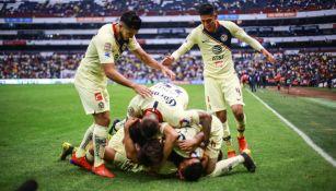 América celebra victoria en La Liga MX