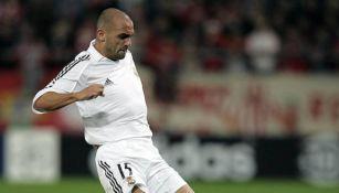 Raúl Bravo durante un partido con el Real Madrid