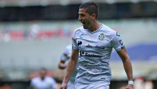 Nervo festeja un gol frente a Cruz Azul en el Clausura 2019