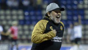 Maradona festeja un triunfo de Dorados en el Clausura 2019
