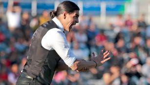 Palencia da indicaciones en un juego de Lobos BUAP