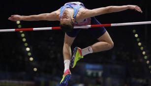 Danil Lysenko en la final de salto de altura del Campeonato Mundial de Atletismo