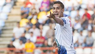 Erick Aguirre celebra un gol con Pachuca
