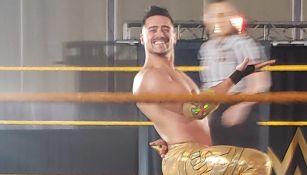 Ángel Garza en una función de NXT