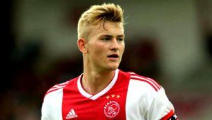 Matthijs de Ligt durante un partido con el Ajax