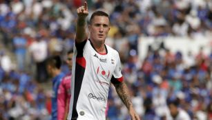 Leo Ramos celebra una anotación frente a Cruz Azul