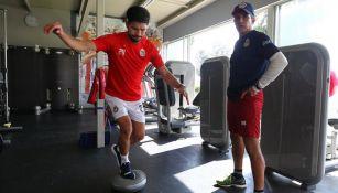 Oribe, en su entrenamiento con Chivas