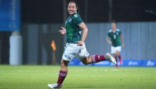 Charlyn Corral festeja gol con el Tri