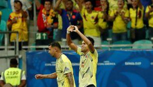 Cuéllar festeja gol contra Paraguay