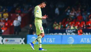 Edson Álvarez lamenta error en un duelo con América