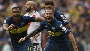 Benedetto festeja gol en Final de Copa Libertadores