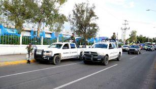 Elementos de la Guardia Nacional a las afueras del Miguel Alemán Valdés