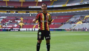 Omar Bravo, con la playera de la U de G