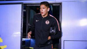 Edson Álvarez prevo a disputar un juego con el América