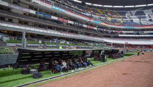 El cambio de lugar de las bancas en el Estadio Azteca