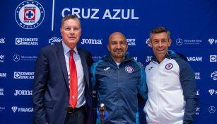 Ricardo Peláez, Conejo Pérez y Caixinha, en presentación de homenaje
