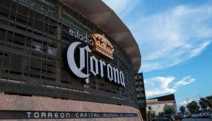 Fachada del Estadio Corona