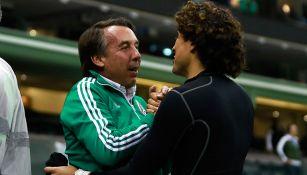 Azcárraga y Ochoa, en plática en el Estadio Azteca