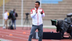 Jaime Lozano aplaude en juego de la Selección Mexicana