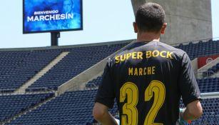 Agustín Marchesín con el dorsal '32' en la espalda