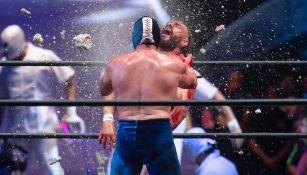 Blue Demon Jr. destroza tabique en el rostro de Dr. Wagner Jr.