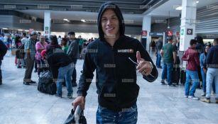 Mateus Uribe a su llegada al aeropuerto de la Ciudad de México