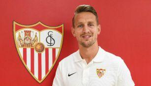 Luuk de Jong, en su presentación con Sevilla