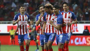 Jugadores de Chivas en el partido ante Atlético San Luis del A2019