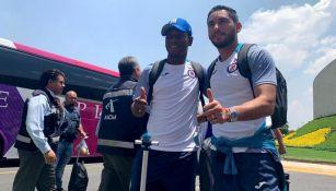Bryan Angulo y Jesús Corona antes de viajar a Guadalajara