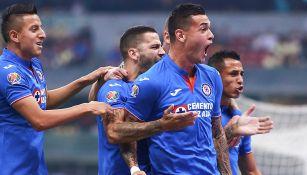 Milton Caraglio festeja gol contra América