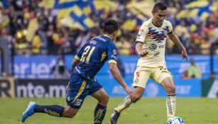 Paul Aguilar durante el partido ante Monarcas