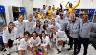Corinthians celebra en los vestidores una nueva victoria