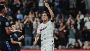 Carlos Vela festeja un gol contra el San José Earthquakes