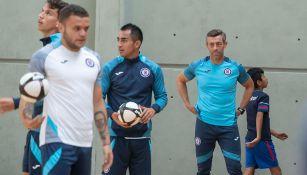 Pedro Caixinha en un entrenamiento de Cruz Azul