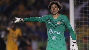 Memo Ochoa durante el partido ante Tigres