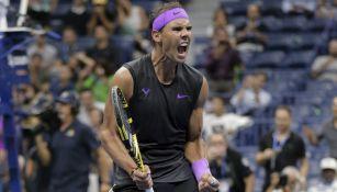 Rafael Nadal celebra su victoria sobre Schwartzman