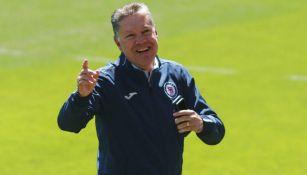 Ricardo Peláez durante un entrenamiento de Cruz Azul