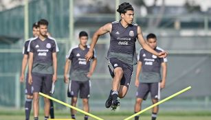 Erick Gutiérrez durante una práctica con México